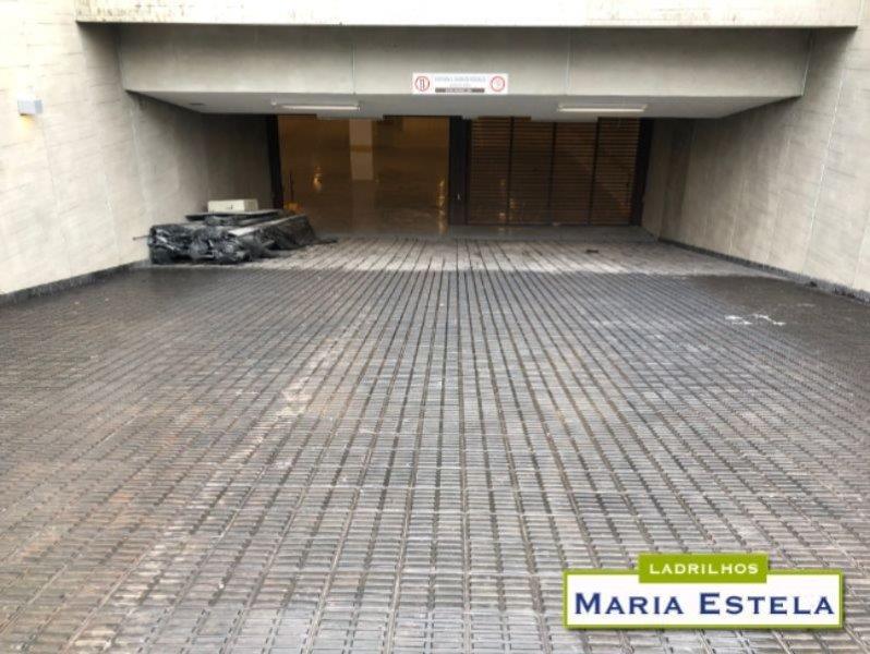 Ladrilho hidráulico para garagem